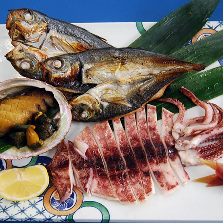 佐渡のごっつお天然の黒あわびとお魚で作った天日干しのひもの 干物・漬魚・うなぎ・魚卵